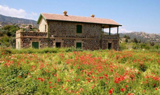 Κύπρος: Στροφή στα χωριά, από Κύπριους και ξένους