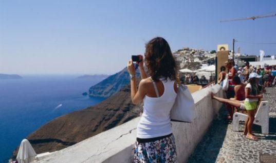 Πώς η Google ενισχύει τον τουρισμό στη Σαντορίνη