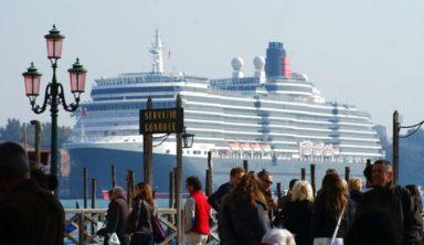 """""""Άντεξε"""" παρά τις προκλήσεις ο τουρισμός στην Ε.Ε."""