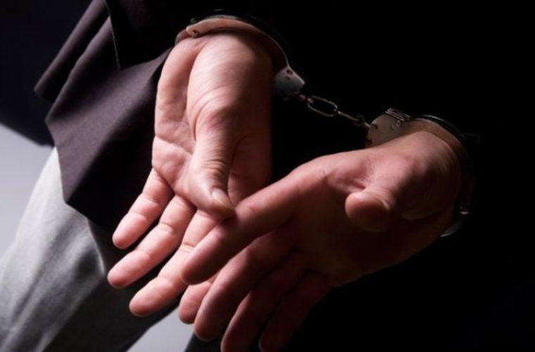 Ηράκλειο: Χειροπέδες σε γνωστό ξενοδόχο με μισό κιλό κάνναβη
