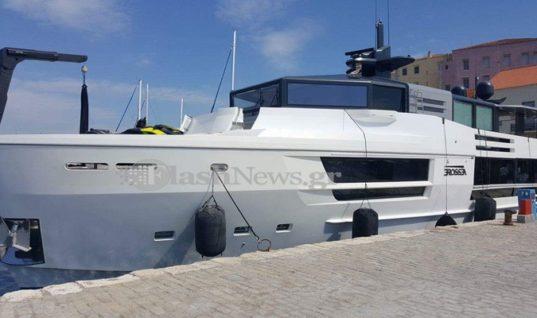 Κατέφθασε τα πρώτο super yacht της σεζόν στα Χανιά (φωτό)