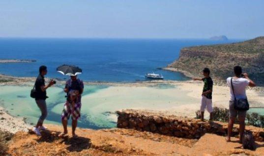 Μεγάλο ρεκόρ τουριστών φέτος στην Κρήτη- Ξεπερνούν τα 4 εκ. οι αφίξεις