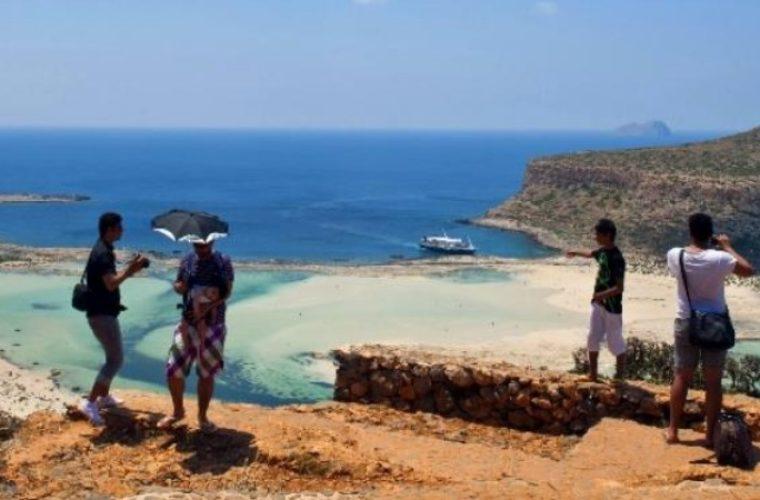 Μ. Βλατάκης: Βαρόμετρο η Κρήτη για την εξέλιξη της τουριστικής κίνησης