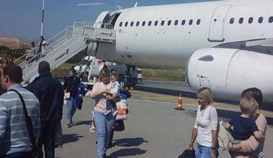 Πτήση τρόμου από το Ηράκλειο στην Αγία Πετρούπολη: Aεροπλάνο «βούτηξε» 18.000 πόδια