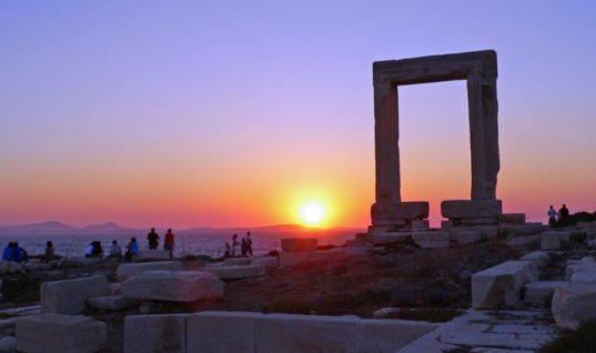 Handelsblatt: Τουριστική «έκρηξη» στην Ελλάδα