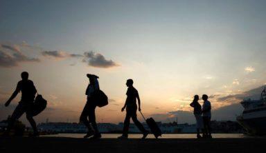 Έσπασε το φράγμα των 30 εκ. τουριστών στη χώρα