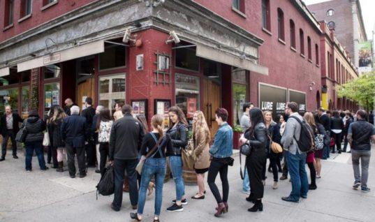 Ουρές στη Νέα Υόρκη για το ελληνικό κρασί