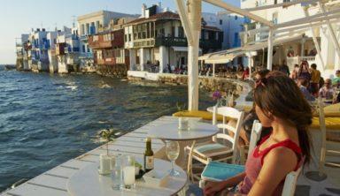 Σε ποια νησιά θα ταξιδέψουν οι Ελληνες φέτος το καλοκαίρι