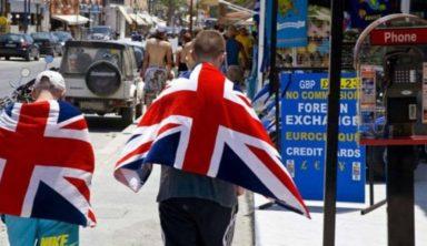 Kρήτη, Αθήνα, Κέρκυρα στις τοπ επιλογές των Βρετανών το φετινό καλοκαίρι