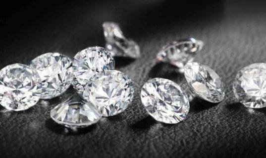 Βέλγος τουρίστας έκρυβε στο εσώρουχό του …διαμάντια!