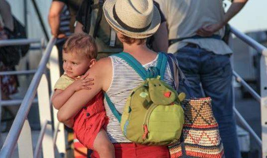 Πόσο θα κοστίσει σε μια τετραμελή οικογένεια μία εβδομάδα οικονομικών διακοπών στις Κυκλάδες