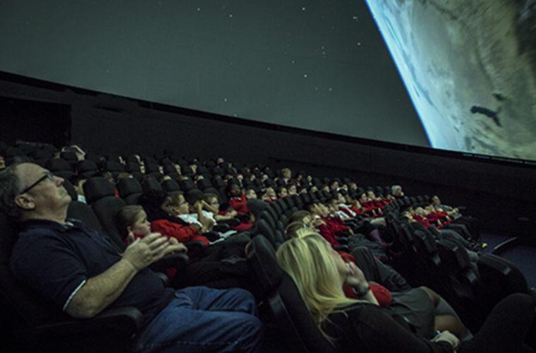 Eικονικά ταξίδια στο διάστημα, στο Πλαντάριο Κρήτης
