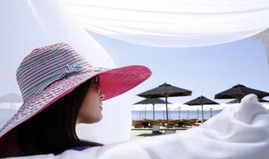 Thomas Cook: «Καυτός» τουριστικός προορισμός η Ελλάδα και το 2018