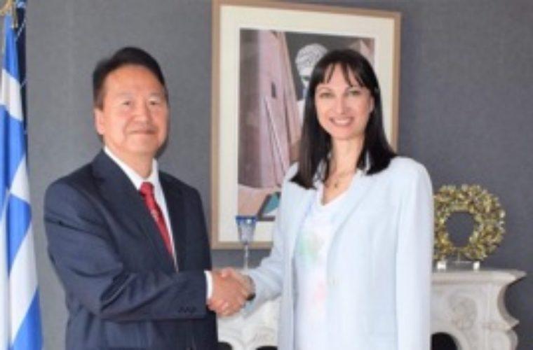 Συνάντηση της Υπουργού Τουρισμού Έλενας Κουντουρά  με το νέο Ιάπωνα Πρέσβη Υasuhiro Shimizu