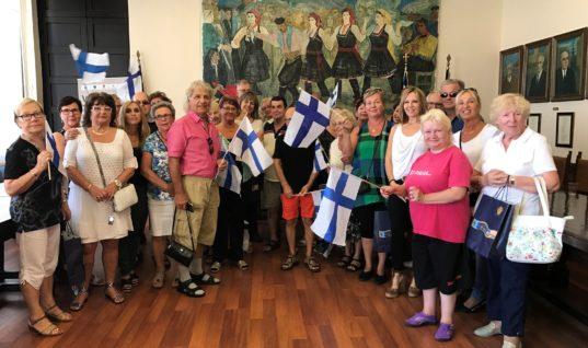 Τιμώμενα πρόσωπα της Διεύθυνσης Τουρισμού Δήμου Ρόδου 30 Φινλανδοί, Γερμανοί και Ολλανδοί φίλοι του νησιού