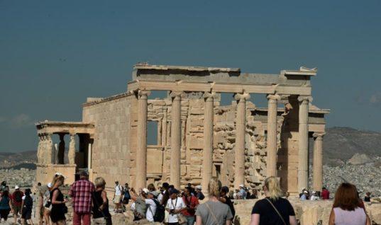 Fox News: Ο τουρισμός άνθισε φέτος στην Ελλάδα