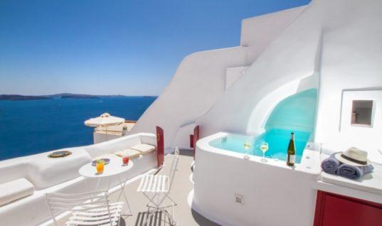 Η ιστορία πίσω από το «πιο επιθυμητό σπίτι στην Ελλάδα» της Airbnb