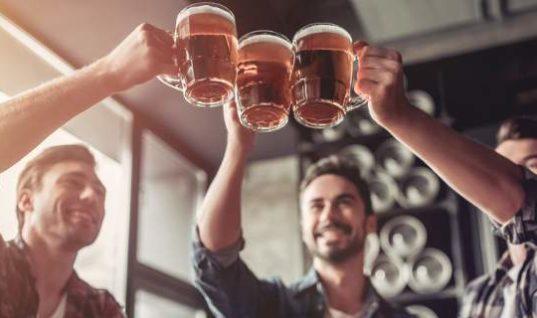Σε ποια πόλη του κόσμου θα πιείτε την πιο φθηνή μπίρα και πού την πιο ακριβή;