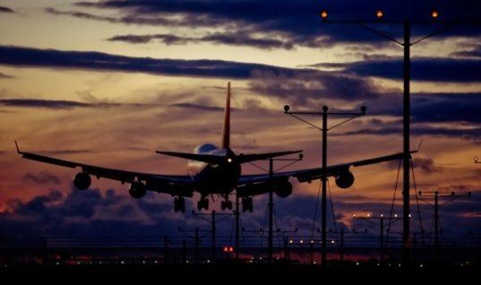 Χαμός λίγο πριν την απογείωση για Αθήνα λόγω ανεγκέφαλου επιβάτη!