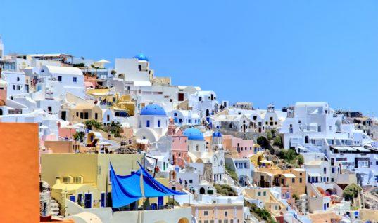 Ελληνικός τουρισμός: Η απειλή από την υπερπροσφορά ξενοδοχειακών κλινών