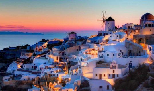 Αυτοί είναι οι τρεις ελληνικοί προορισμοί που ψηφίζουν οι ξένοι τουρίστες