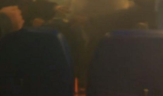 Πανικός σε ρωσικό αεροπλάνο: Φορτιστής εξερράγη και έπιασαν φωτιά τα καθίσματα(Βίντεο)