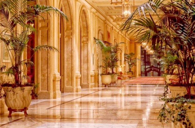 1.144 ξενοδοχεία πωλούνται στην Ελλάδα (Βίντεο)