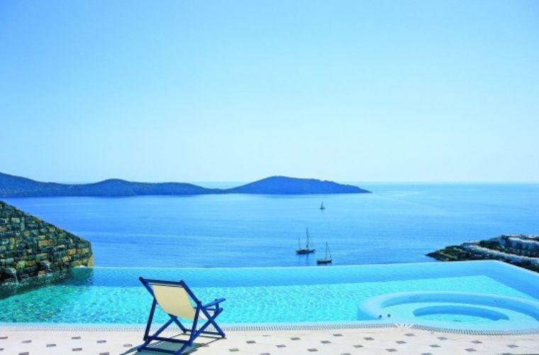 """Με το """"δεξί"""" ξεκίνησε ο Τουρισμός για το 2018-Πρωτοπόρος η Κρήτη"""