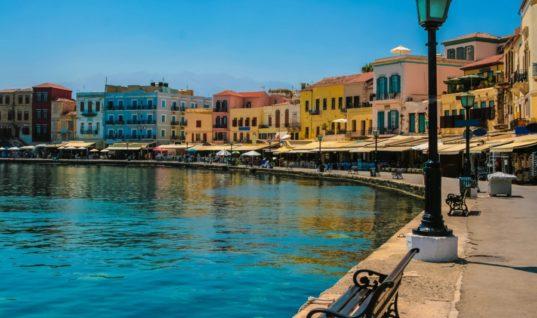 Σε ποια νησιά θα σαλπάρουν φέτος το Πάσχα οι Έλληνες;