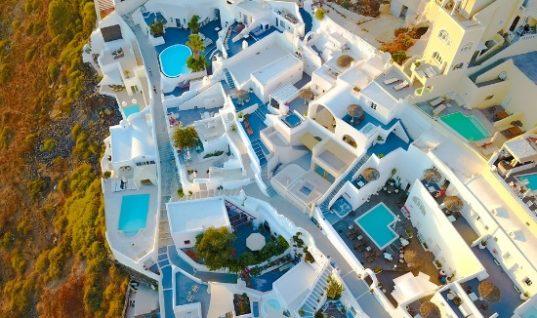 ΕΡΓΑΝΗ: Ο τουρισμός απογείωσε την απασχόληση το Μάρτιο