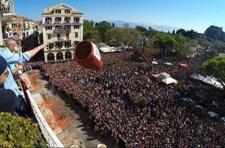 """""""Βούλιαξε"""" η Κέρκυρα για το Πάσχα σημειώνοντας αύξηση περισσότερη από 10%"""