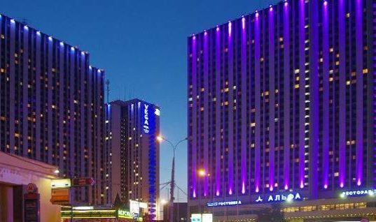 Ξέσπασε πυρκαγιά σε 30όροφο ξενοδοχείο στη Μόσχα