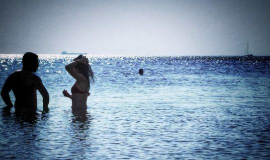 Απέραντο και… καθαρό γαλάζιο: Αρίστης ποιότητας των 95,9% των υδάτων κολύμβησης στη χώρα μας!