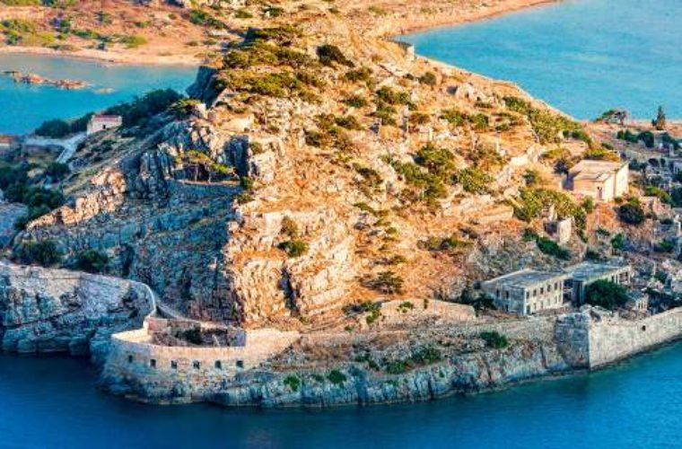 Έργα ανάδειξης στη Σπιναλόγκα υπέγραψε ο Περιφερειάρχης Κρήτης