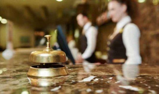 Ξεπερνούν τα προ κρίσης επίπεδα οι πλήρως απασχολούμενοι στον τουρισμό