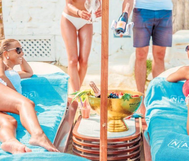 Μύκονος: Beach bar με τζίρο βιομηχανίας