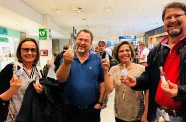 Ελ. Βενιζέλος: Υποδοχή με ούζο των πρώτων θερινών επιβατών