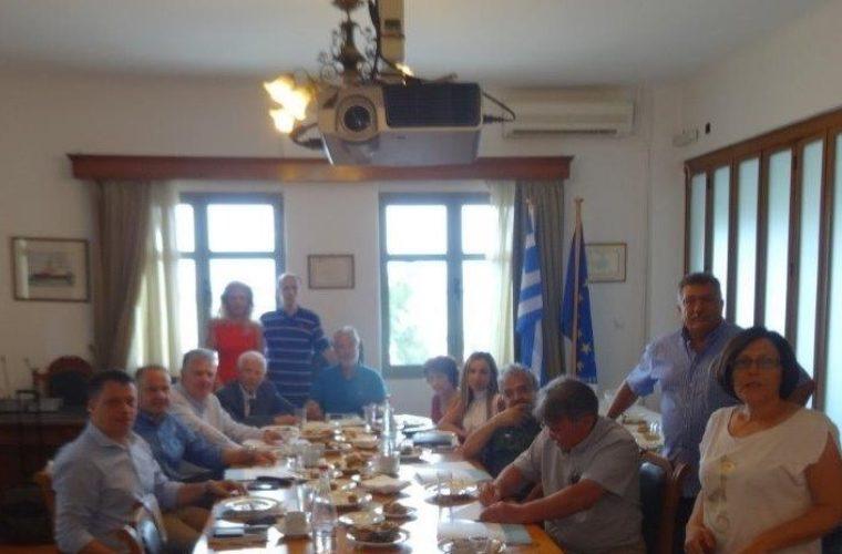 Συνάντηση με την Ένωση Εφοπλιστών Κρουαζιερόπλοιων και Φορέων Ναυτιλίας στα γραφεία του ΟΛΗ