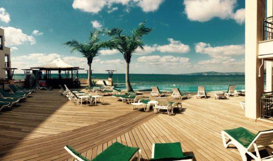 Η Ελλάδα έχει τα περισσότερα ξενοδοχεία μπροστά από παραλίες!