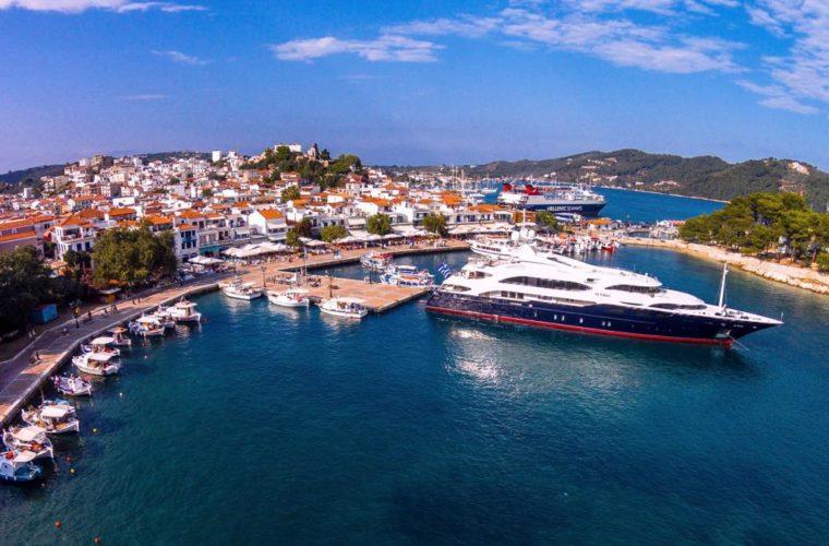 Τα ελληνικά νησιά που επιλέγουν οι σταρ του Χόλιγουντ