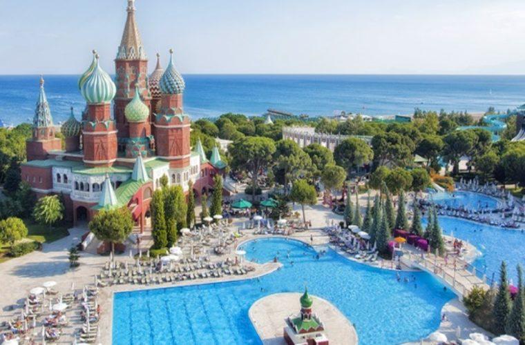 Τουρκικός τουρισμός: Σε ένα μήνα είχε περισσότερους Ρώσους από ότι η Ελλάδα ετησίως