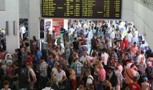 """Απογείωση τουριστικών μεγεθών – Το ρεκόρ του αεροδρομίου """"Καζαντζάκης"""""""