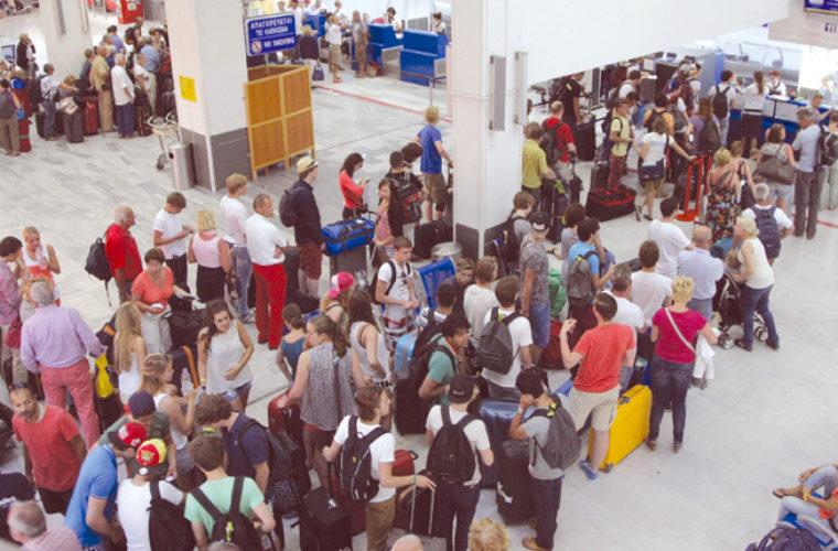 Τουρίστες μέχρι και τον Νοέμβριο – H επέκταση της σεζόν φέρνει 4,5 εκατ. επισκέπτες στην Κρήτη