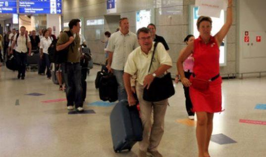 Τουριστικοί πράκτορες Κρήτης: Να επεκταθεί το αεροδρόμιο Ηρακλείου, όχι στο αεροδρόμιο Καστελλίου