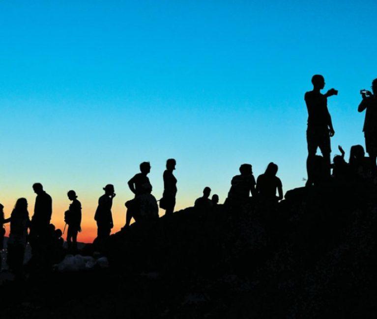 Ξαφνικό φρένο στα τουριστικά έσοδα Ιουλίου, Αυγούστου – Ο ρόλος της Τουρκίας