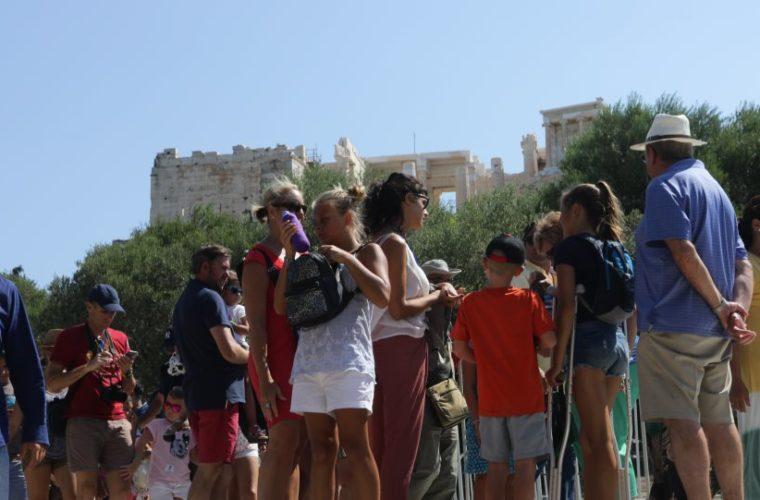 Η σκοτεινή πλευρά του τουρισμού