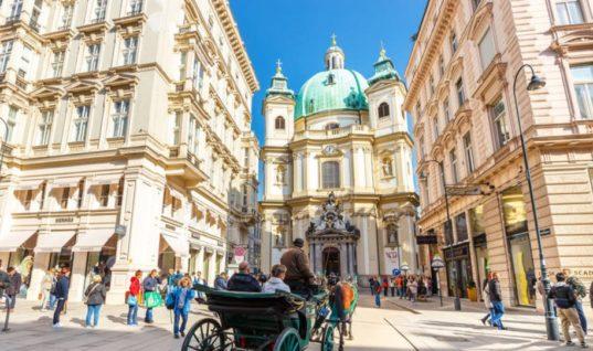 Η Βιέννη επιλέγει τους τουρίστες της: Λίγοι και πλούσιοι αντί του μαζικού τουρισμού