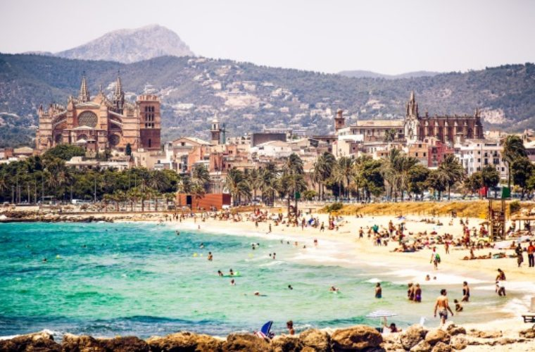 Μαγιόρκα: Το 60% των κατοίκων θέλουν λιγότερους τουρίστες