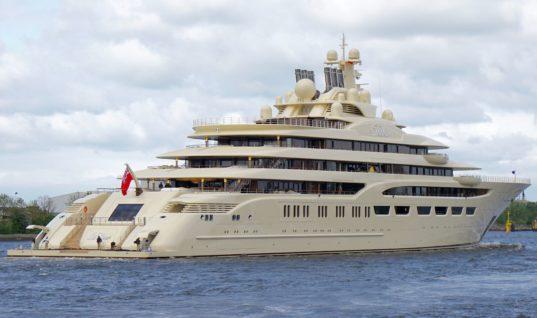 Yπερπολυτελές σκάφος Ρώσου δισεκατομμυριούχου στα Χανιά