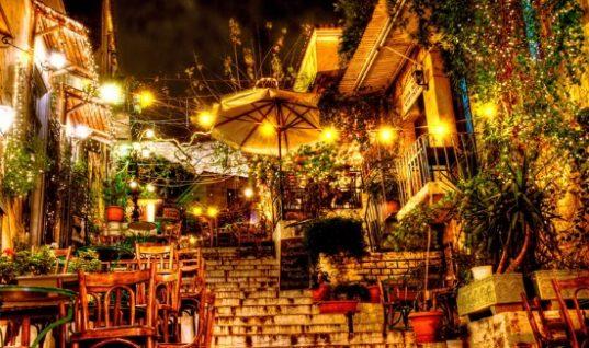 Έρευνα: Η Αθήνα καθιερώνεται ως προορισμός διακοπών- το προφίλ των τουριστών της